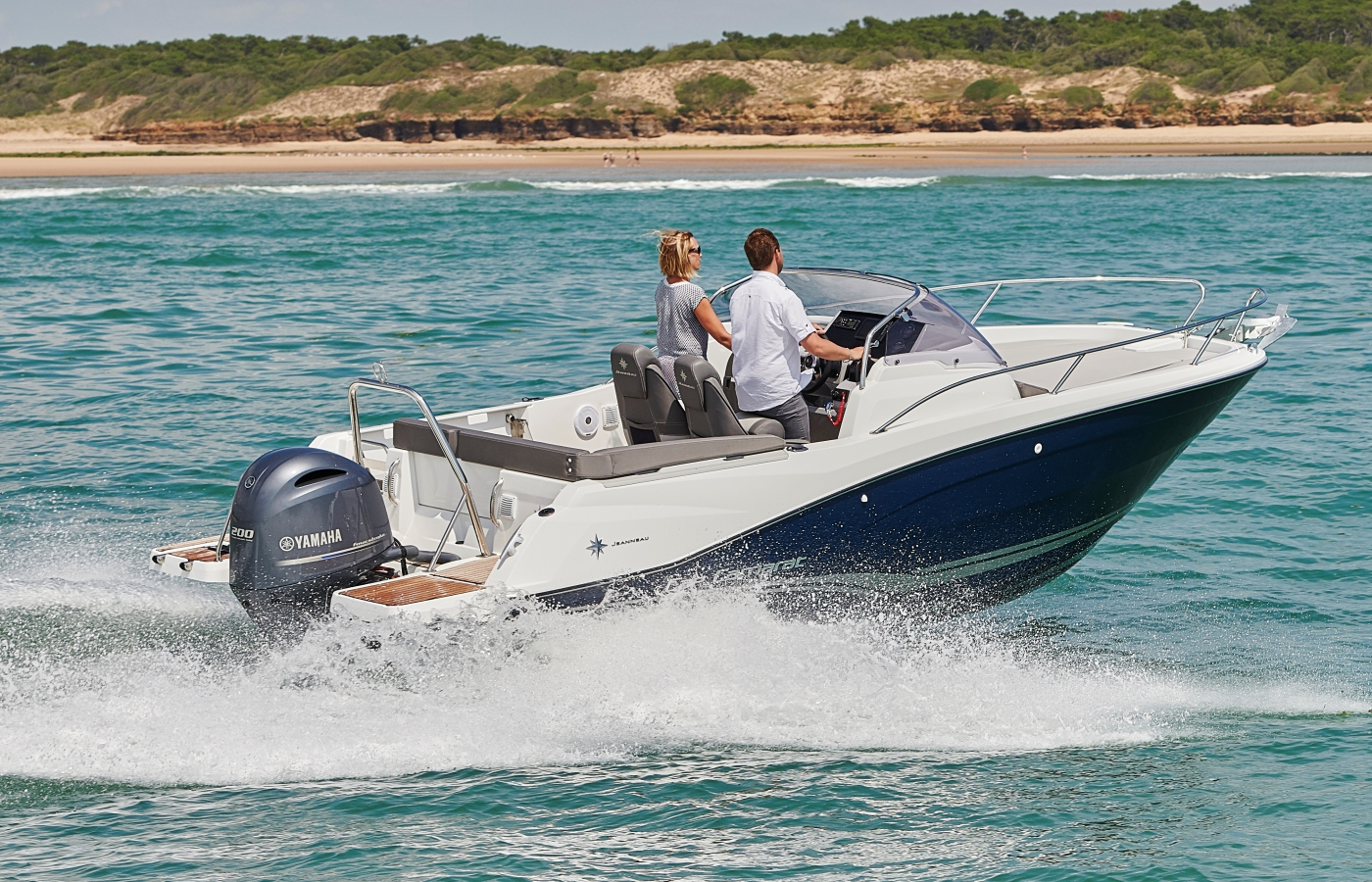 Jeanneau Cap Camarat 6.5 WA Series 3 Motorboats - Sea Ventures