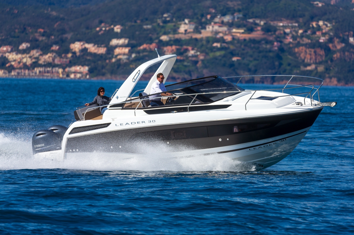 Jeanneau Leader 30 OB Outboard Motor Boats - Sea Ventures