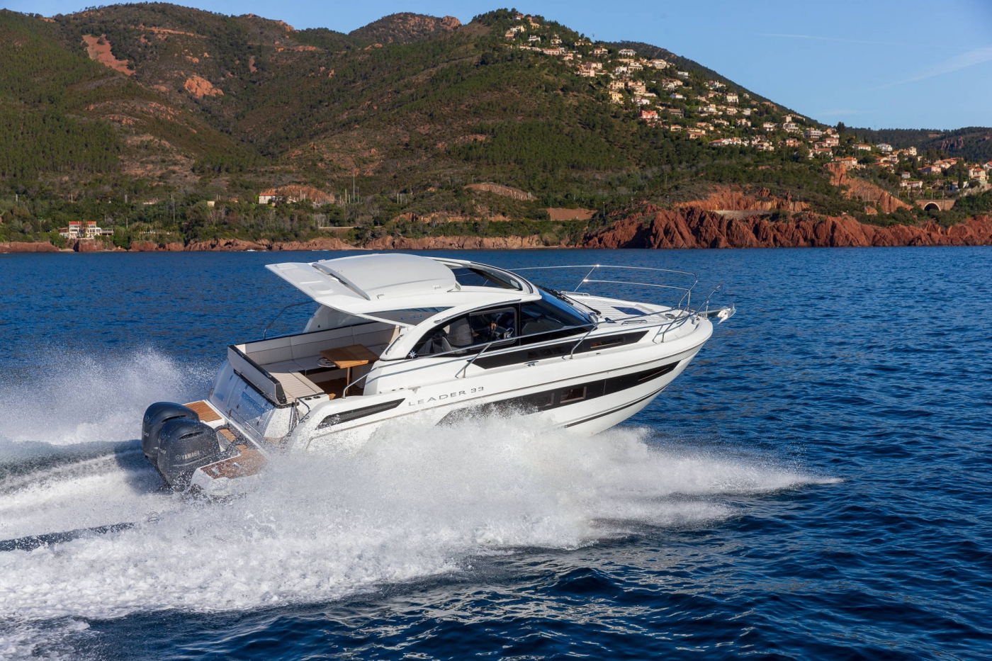 Jeanneau Leader 33 OB Outboard Motor Boats - Sea Ventures